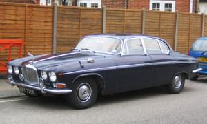 Jaguar_420_g_built_1966_regd_1967_i